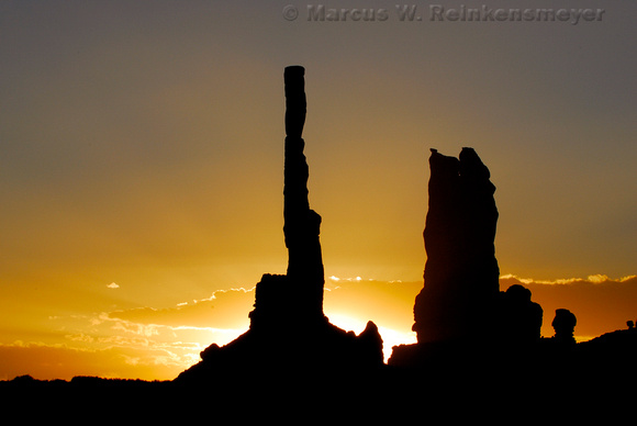 Monument Valley totems at sunrise, Arizona Southwest landscape photography.